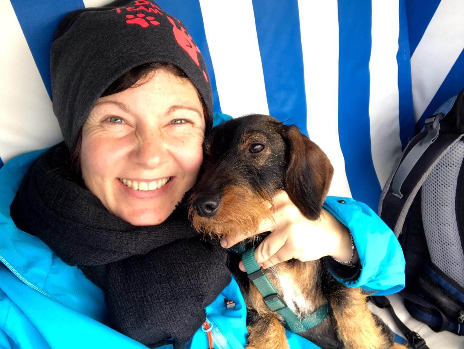 Katha und ihr Hund Fritzi